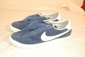 Nike casual soft shoes size 10 no laces included