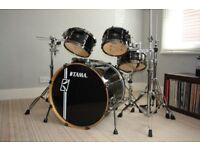 "Tama Superstar Hyperdrive 22"" 5pc Black Drum Kit with hardware"