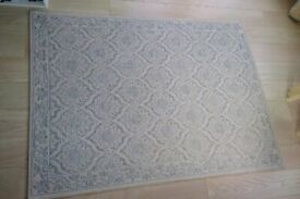 Blue/White RUG. Length 160 cm x Width 120 cm.