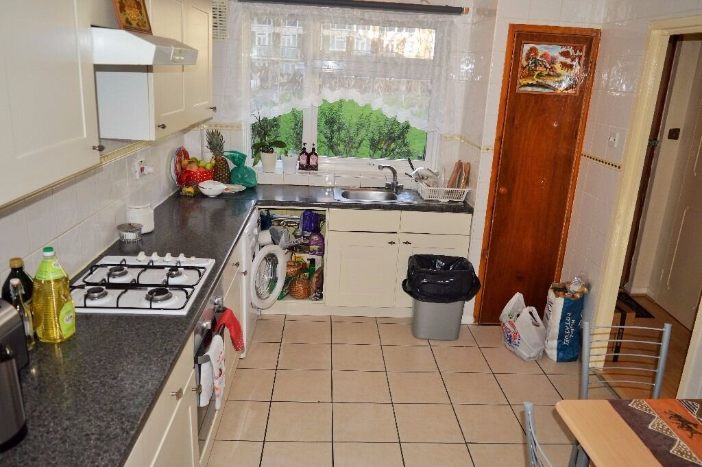 THREE BEDROOM MAISONETTE WITH GARDEN FOR RENT IN BOW ZONE 2
