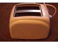 Toaster 2 Slice Sainsburys Basic Collection White