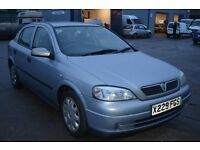 Vauxhall ASTRA 2000 in excellent condition with MOT Until December 2017