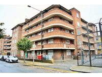 CALL CALL CALL - FOUR BEDROOM FLAT AVAILABLE NOW IN SHOREDITCH E1