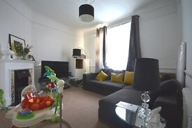 2 DOUBLE BEDROOM house RIGHT IN THE CENTRE OF CATFORD! WITH A GARDEN! AND CLOSE TO THE STATION!