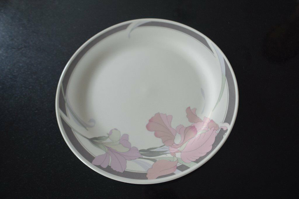 Dinner plate - Crown Dynasty pink and Grey