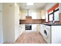 **ROOMS TO LET IN QUIET PART OF CHADWELL HEATH. COUPLES AND SHARERS WELCOME**