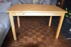 IKEA Dinning table in nice condition.