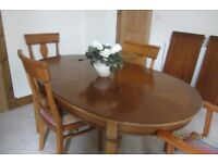 dining table (extendable) with 6 upholstered chairs