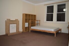 LARGE SPACIOUS 2 BEDROOM FLAT TO RENT IN EALING W5
