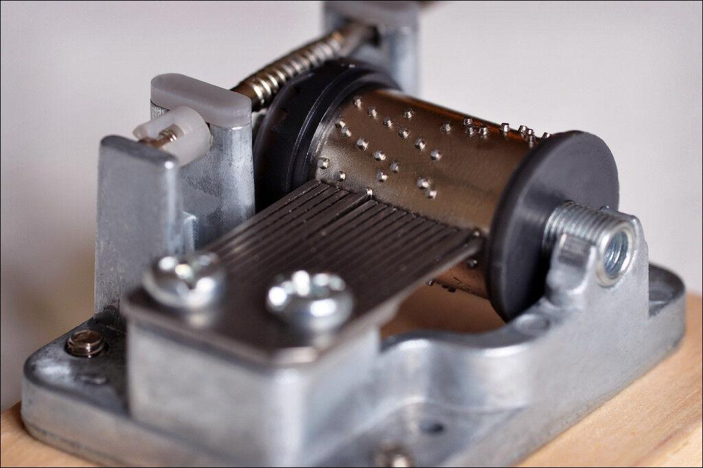 Spieluhr mit unterschiedlichen Melodien Musicbox Spieldosen