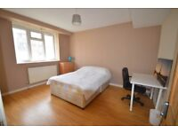 """""""superb 4 double bedroom apartment in a fantastic location Hackney Central,Hackney Downs Station"""""""