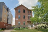 327 Spruce - 8 month option! AAA newer apartment building -...