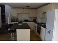 Delightful 2 Bedroom House in Falmouth £900 including bills, fully furnished.
