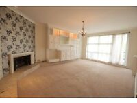 This lovely three double bedroom flat situated in a prestigious purpose built block of flats