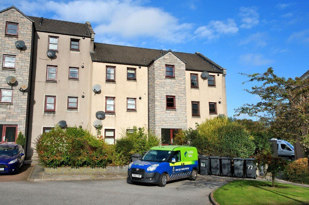 modern 2 bed ground floor flat, new central heating system, lovely ...