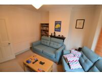 "SPACIOUS 2 BEDROOM HOUSE IN LESLIE GROVE ** EAST CROYDON ** AVAILABLE NOW ""! **"