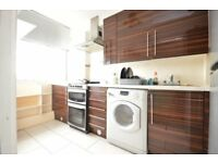 3 LARGE DOUBLE BEDROOMS!! *CABLE STREET* *£725 PCM*