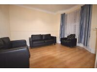 3 BEDROOM IN BARKING ROAD ONLY £404 PW PART FURNISHED AVAILABLE NOW