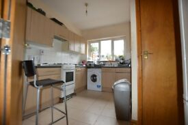 double room for single use in Turnpike lane - all inclusive - £600 per month