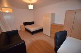 4 bedroom flat - fully furnished - minutes walk to old street station