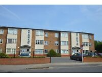 Spacious 2 bed unf or furnished flat close to Lee station, parking available, excellent condition