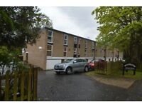 Stunning two bedroom unfurnished flat to rent, close to Elmstead Woods and Chislehurst Station