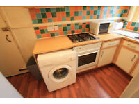 SPACIOUS 4 BEDROOM FLAT IN CLAPHAM COMMON !!!