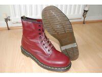 Dr Martens DM Boots Gents Size 9