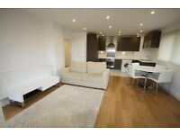 ***Amazing Modern One Bedroom Apartment in Tower Gateway/Aldgate! Zone 1!!!