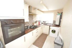 2 Bedroomed maisonette for rent with Garage from 1 Oct for 6 months LUTON