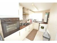 Immediate 2 Bedroomed maisonette for rent with Garage from 1 Oct for 6 months LUTON