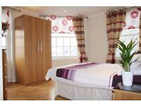 FANTASTIC THREE BEDROOM FLAT CLOSE TO HYDE PARK