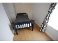Lovely Single Room, Farnworth. Bolton, All bills included, No deposit