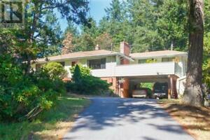 4931 Old West Saanich Rd Victoria, British Columbia