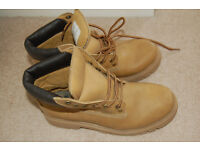 A Strong Sturdy Pair of Tan Boots Size 6 Ladies or Gents / Boys / Girls