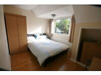 DOUBLE ROOM IN FRIENDLY QUALITY HOUSESHARE WOOLSTON/SHOLING*ALL BILLS INC*CLEANER*PARKING* BROADBAND
