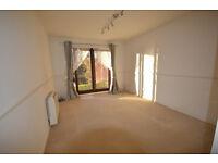 1 Bedroom Flat - Rutland Avenue, Aylestone overlooking canal