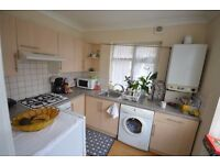 Spacious 2 Bedroom Ground Floor Flat in Woodford