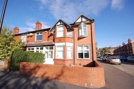 Spacious/Modern Furnished 2-Bed Apartment, Didsbury (Ground Floor) Private Car Park, NO AGENCY FEES