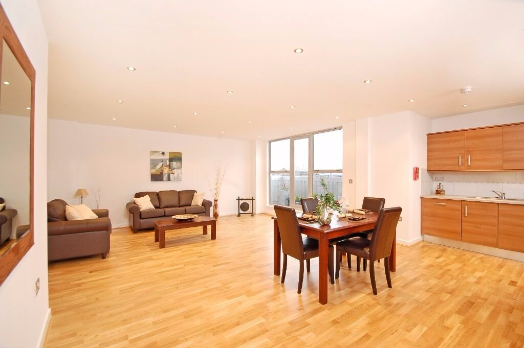 E1 ALDGATE EAST NEWLY LARGE SPACIOUS LARGE 3 DOUBLE BEDROOM WAREHOUSE CONVERSION CLOSE TO STATION