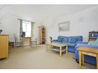 2 bedroom flat in Meadow View, Water Eaton Road, Oxford