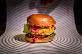 LINE CHEFS, GRILL CHEFS and EVENT CHEFS needed for Patty & Bun BURGER restaurant - London locations