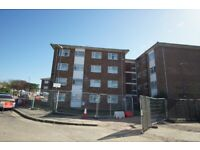 Impressive 3 bedroom flat available to rent close to Queensbury tube station