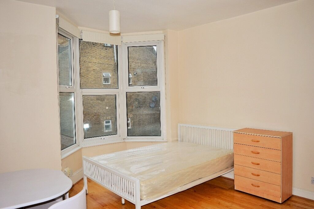 AVAILABLE NOW - SELF CONTAINED STUDIO APARTMENT FOR RENT ON ROMFORD ROAD, STRATFORD E7