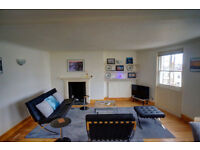 Modern spacious 4th flr (top) one bedroom holiday apartment only minutes from Hove seafront/beach