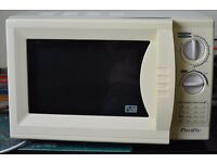 Pacific 700W Microwave Cooker