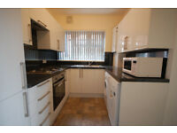To Let: Recently refurbished 2 bedroom maisonette, close to Chiswick Park Tube.