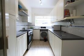 SPACIOUS 4 BEDROOM HOUSE IN STREATHAM COMMON!!!