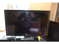 Toshiba 32 Inch Lcd Colour TV, With Remote, & Humax Freeview Unit & Remote.