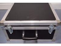 Flight Case re-enforced for instrument or equipment protection. Foam insert. Medium size.